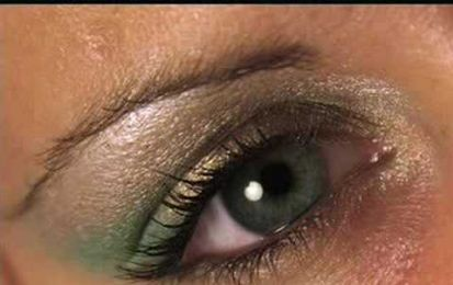 Clio make up: trucco verde e oro